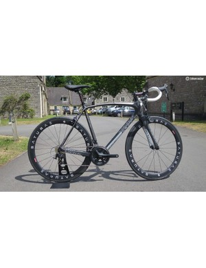 Mekk's 2016 Poggio 2.8 looks packed with value, featuring full Shimano 105 and Saturae's 50mm deep full carbon clinchers for £2000