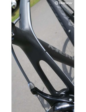 The 2.8's rear end matches super deep chainstays with these slender seatstays, claimed to add stiffness through the drivetrain and comfort in the saddle