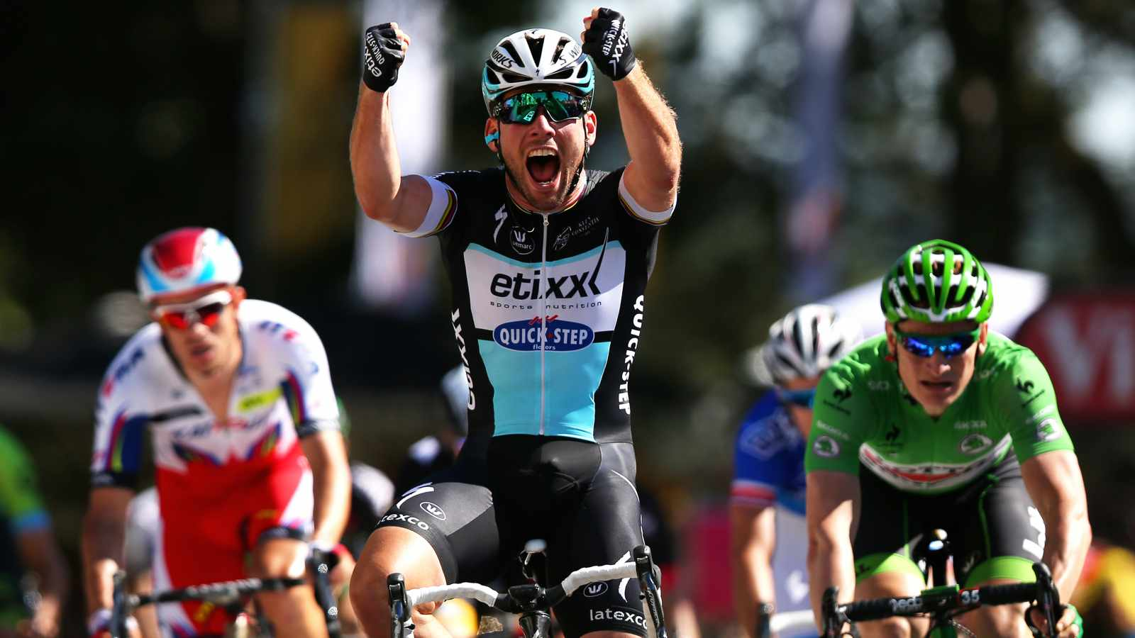 Mark Cavendish notches his first stage win of the 2015 Tour de France