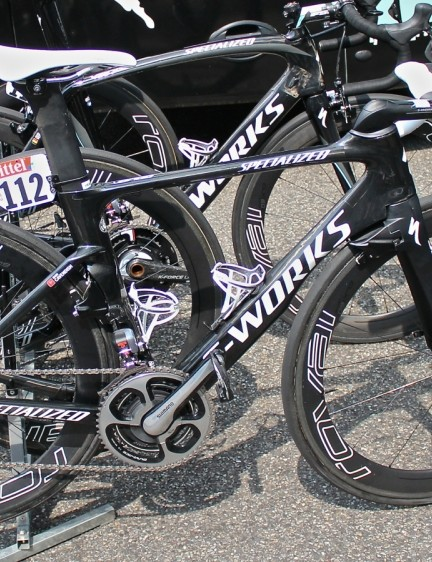 Like all riders at the Tour, Cav has multiple versions of the same bike. His A bike here has had white bar tape for most of the race
