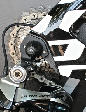 The Di2 cable for the rear derailleur exits cleanly from the rear of the stays