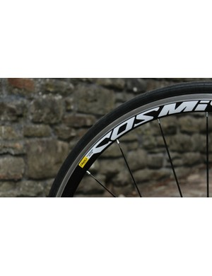Mavic's Cosmic Elites are straightforward wheels. The 23mm Yksion clinchers are okay, but not best in class. A wider option would have been better for grip, comfort and confidence