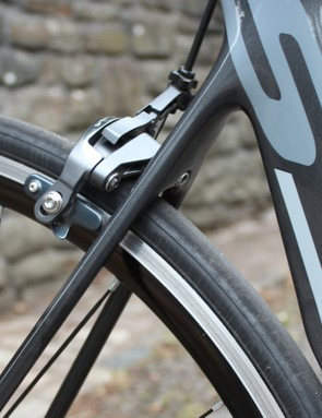 Note the massive difference between the seat tube and seatstays. While it's no plush Madone, the S3 isn't too harsh of a ride