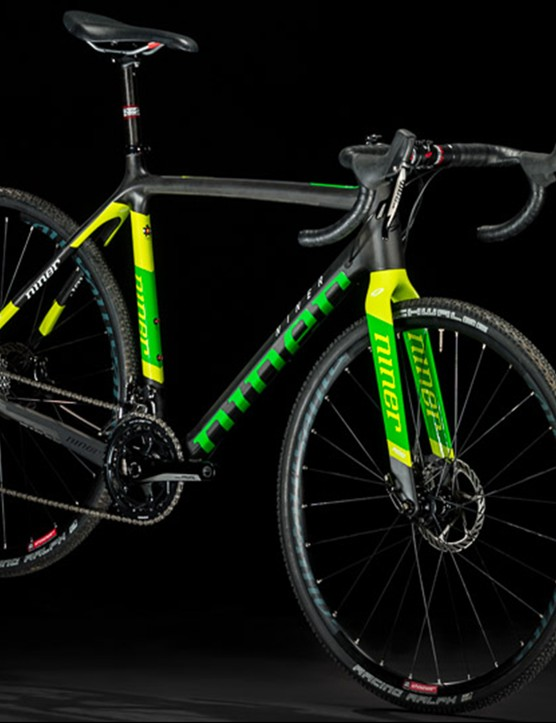 In addition to red on black, the BSB 9 RDO comes in green and chartreuse