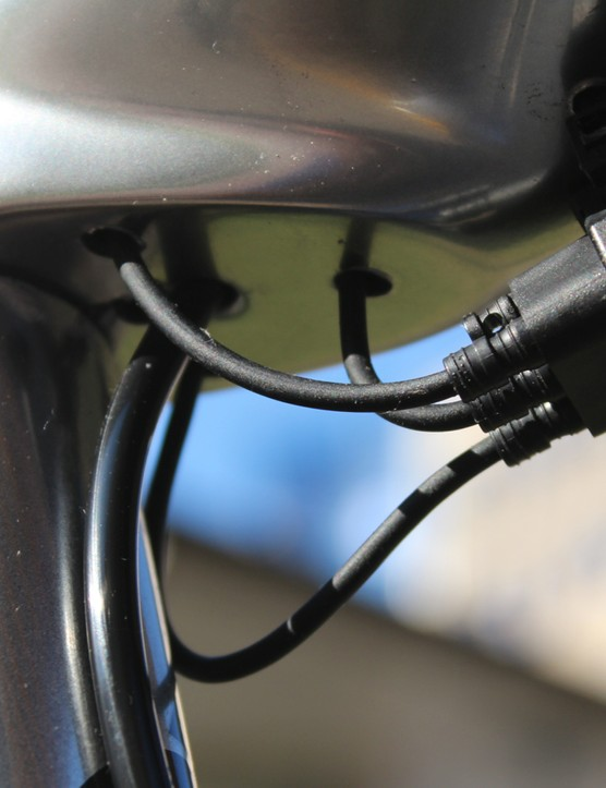 Di2 junction boxes come in 3- and 5-port varities. This is a 5-port version