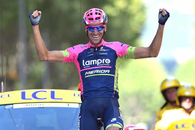 Ruben Plaza edged out Peter Sagan for the win in Gap