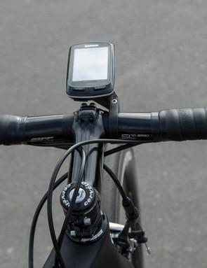 Pro rider Tiffany Cromwell (Canyon-SRAM) uses a Zipp SL70 Ergo handlebar for a compact reach