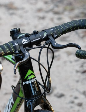 The Cyclo Cross 500 came stock with secondary top bar levers. They're something we didn't get along with due to increased cable friction