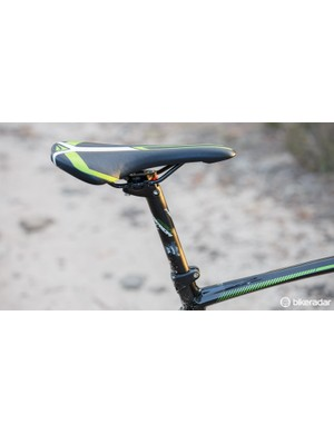 Offering a little more width, we got along well with this Merida-branded saddle. And while the seatpost isn't carbon, it's sturdy and offers infinite saddle angle adjustment