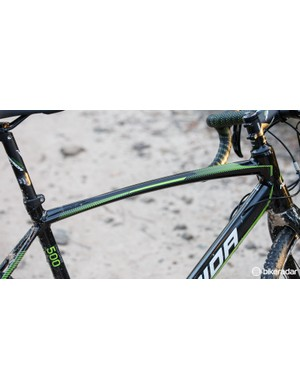 The curved flat top tube makes shouldering the bike just a little more comfortable