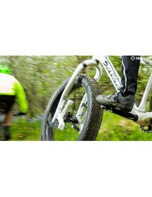 The Carbonara converts the same design for fat bike use
