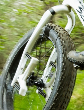 The Carbonara converts the same design for fat bike use