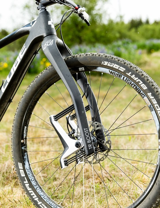 The light weight fork has 60mm or travel