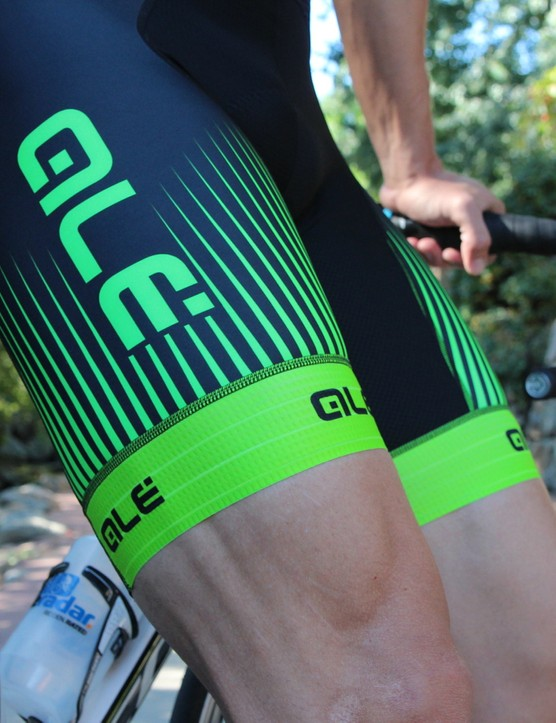 Similar to the jersey, the Alé PRR leg grippers do the trick without constriction