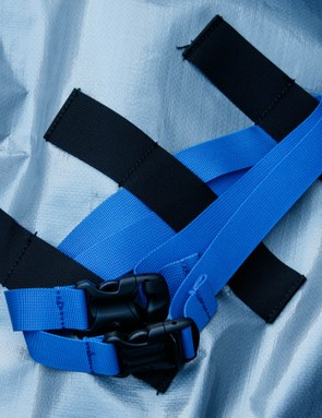 Highly adjustable and customizable strap systems are there to hold the frame secure