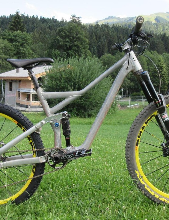 Rose Bikes' new Pikes Peak trail/enduro bike in alloy prototype form. Production models will be carbon