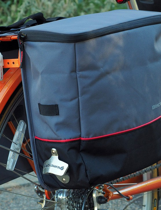 Having trouble keeping your groceries cold (or hot) on the way home? Try Blackburn's new insulated Local Cooler panniers