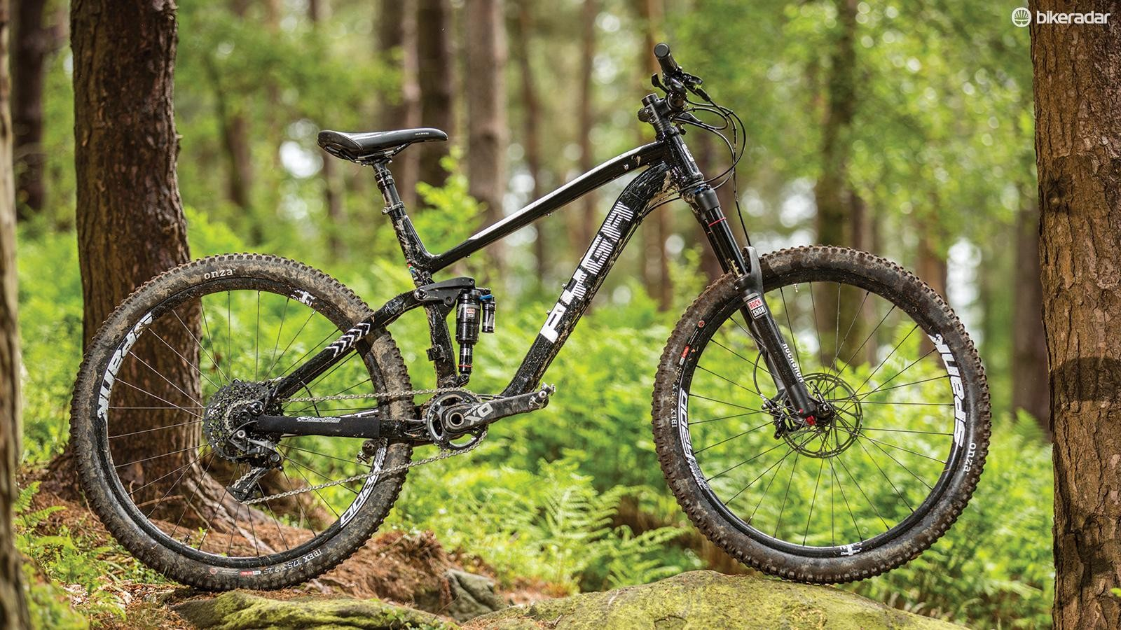 Pyga's OneForty650 Pascoe X01 is a hooligan on the descents –don't let its stealthy looks fool you