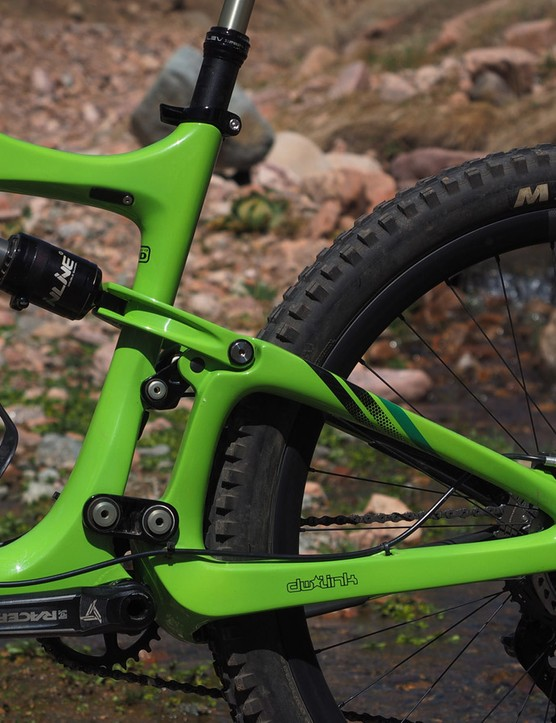 The latest iteration of Dave Weagle's dw-link rear suspension finds its way on the Ibis Mojo HD3, this time with a more compact dual-link arrangement