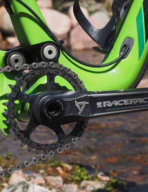 The Race Face Narrow/Wide direct-mount chainring ably holds on to the chain, even on fast and rocky descents. The forged alloy crankarms aren't especially light but they're solid and durable