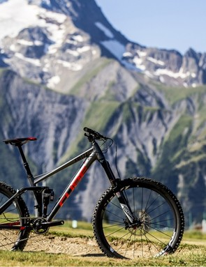 Rob Weaver tested the 650b 180mm version of the Lyrik on a Cube Fritzz