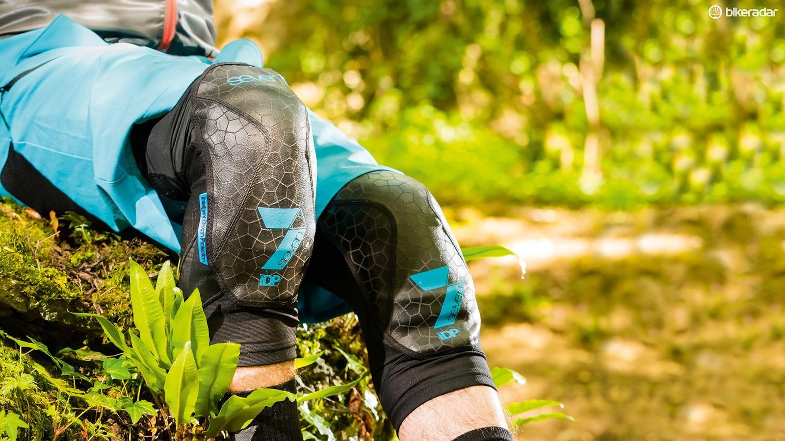 7iDP Covert kneepads