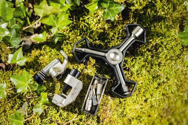 CrankBrothers y16 multi-tool