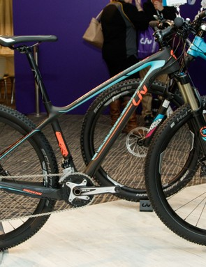 At $2,7000 / AU$2,999 / £TBC, the Obsess Advanced 2 is a well priced XC racer with a lightweight carbon frame