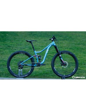 The Intrigue SX is new for 2016. It offers 160/140mm of travel and a beefed-up build