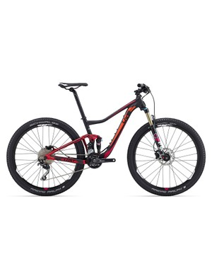 The 2016 Liv Lust 2 ($2,500 / AU$2,799 / £TBC) is the entry into the 100mm dual suspension platform
