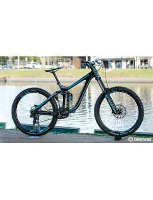 New for 2016, the Glory downhill bike gains carbon options. Pictured is the flagship Glory Advanced 27.5 0 ($8,520/ AU$7,999 / £TBC)