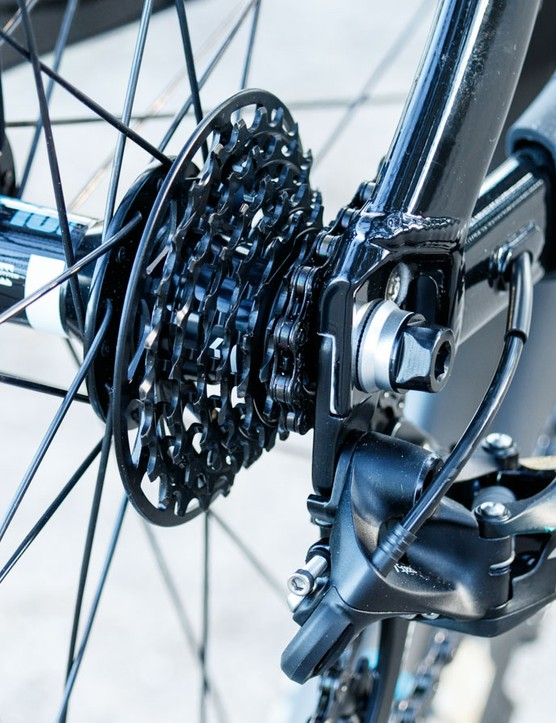 The Glory Advanced 0 features SRAM's X01DH shifting, including the mini-block seven-speed cassette