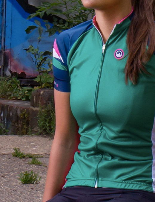 Available in a 'club ride' cut, the Stripe A Pose jersey certainly has a memorable name