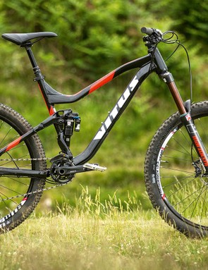 Vitus's Sommet VRX is a great value package that draws on the impressive Escarpe trail bike