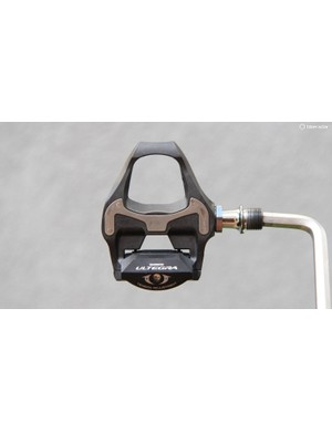 Shimano Ultegra SPD-SL 6800 pedals feature a wide composite carbon body, a stainless steel contact plate and two sets of bearings