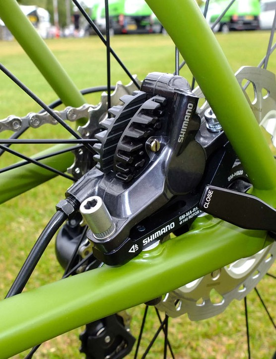 Built to accept flat mount brake calipers, this £2,499/$2,799 105 model needs an adaptor for its BR785 hydraulics