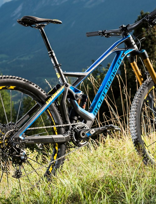 The new Mondraker Dune. Our colleague Jon's been testing it in the Alps, the luckly little etc etc...