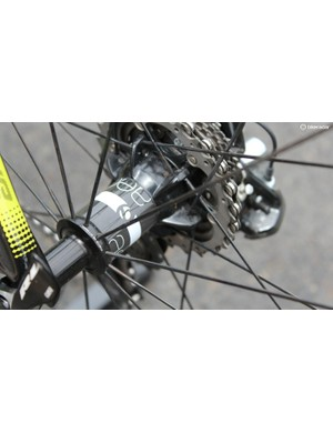 The configuration and build of the 24 rear spokes make for a satisfyingly stiff wheel laterally. The DT Swiss star ratchet hub has earned its reputation for high performance and durability, and our testing did nothing to contradict that