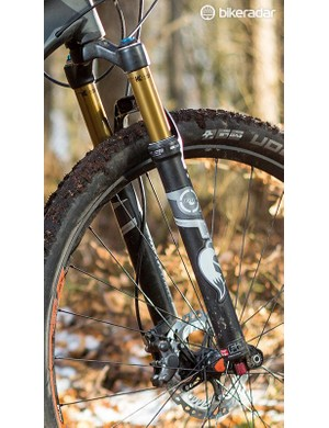 Fox 32 Float fork gets a remote for on demand sprinting efficiency