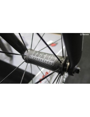 These full carbon hubs help keep the weight down on the new RRc 32T wheels