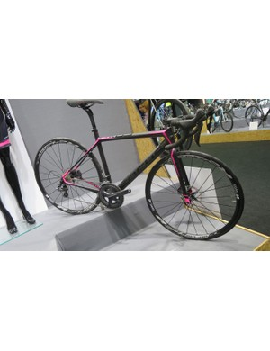 Women's bikes feature heavily in the 2016 Focus range. This Cayo Donna Ultegra Disc is well priced at $3,700