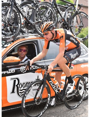 Roompot at the Eneco Tour using disc brakes