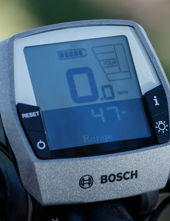 The Bosch Intuvia Performance head unit displays metrics like speed, charging state, distance, and the level of pedal assistance