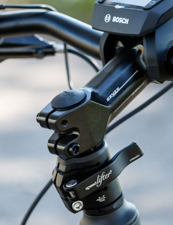 The Speelifter system makes for quick and easy handlebar height adjustment, just make sure the quick release is tight