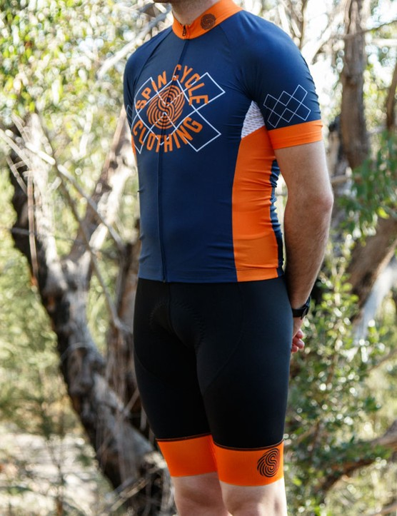 The new Spin Cycle Race kit combines Italian fabrics, proven endurance chamois, flat cut bib straps and a race cut