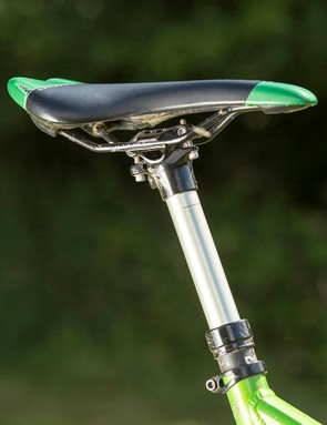 The X-Fusion HiLo dropper post performed with unexpected consistency on our test bike