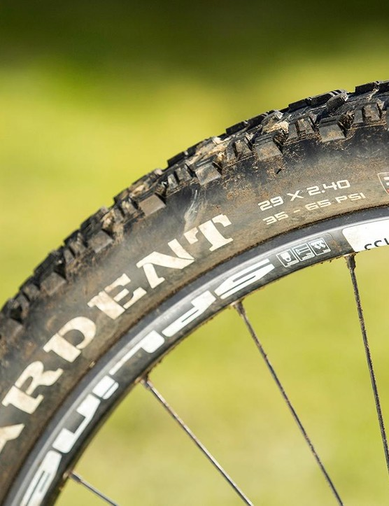 The stock rims are too narrow for the 2.4in Maxxis Ardent rubber