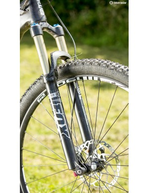 The Fox 32 fork held its lines surprisingly well –but the 2016 Speedfox will get a stiffer (though heavier) 34