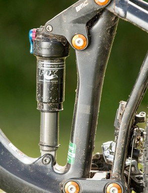 Short, stiff, symmetrical linkages create a tight, consistently controlled and pedalling friendly suspension character