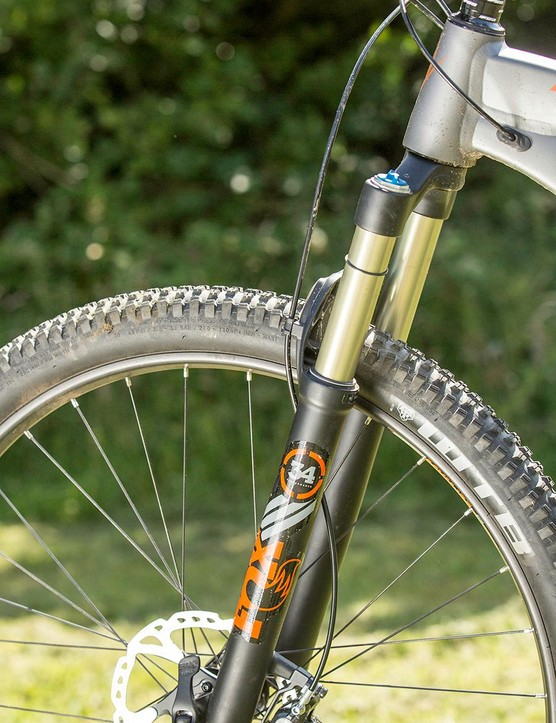 Fox's new 34 fork resets the benchmark for lightweight trail control